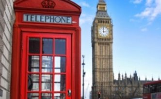 Phone box and big ben in background